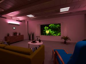 DemensCentrum Aarhus arbejder aktivt med stimuli i en ny kombination af både lys, lyd og billeder - Stimulisture med violet lys